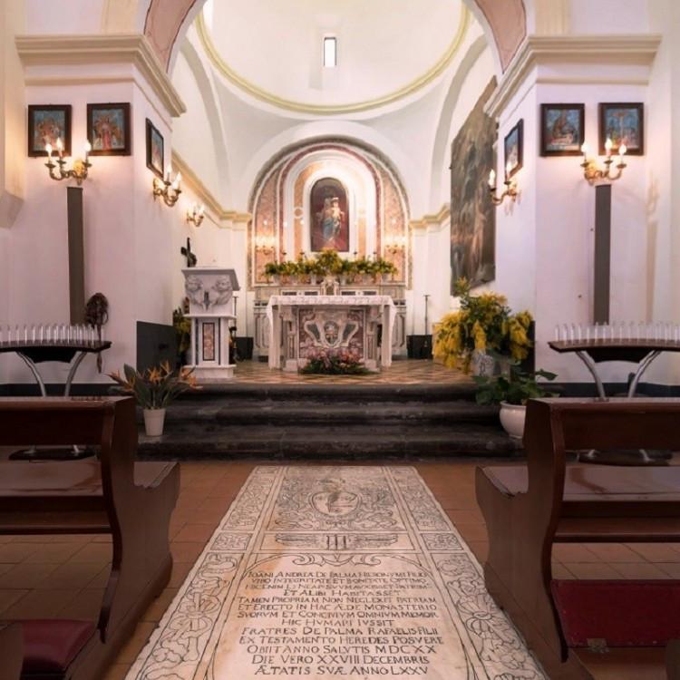 ロザリオの聖マリア教会