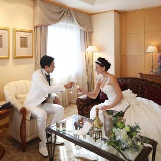 結婚式当日はゆっくりお過ごしください【スイートルーム宿泊】プレゼント