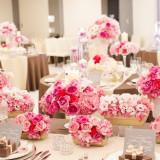 会場に飾るお花や、コーディネートを少しだけご紹介! 可愛らしいピンク、上品なイエロー、艶のある紫、さっぱりとしたグリーン。 おふたりはどのコーディネート?