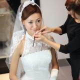 花嫁のメイクは専任のスタイリストがフルサポート。当日前にはヘアメイクリハーサルもおこないますので安心して当日を迎えられます。