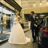 お洒落な大人花嫁のための特別なAnniversaryに相応しい、ハイグレードなエントランスが迎える