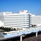 東京ディズニーリゾート・オフィシャルホテル第一号。全696室の客室を備えた大型リゾートホテル。