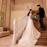 ロングトレーンのドレスでこんな一枚を!