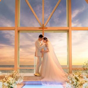 【クリスタルチャペル】マジックアワーが幻想的なナイトウエディングはとってもロマンチック☆|シェラトン・グランデ・トーキョーベイ・ホテルの写真(9193251)