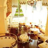 結婚記念日には、1階の本格フレンチレストランでディナーを♪