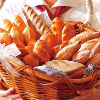 【9:30フェア限定】パン工房特製焼きたてパンプレゼント