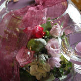まるでプレゼントのような装花♪ゲストのみなさまも楽しんでもらえます