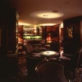 本館1階のメインバー「シーガーディアンⅡ」数多くの著名人が訪れました
