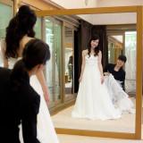 【ドレスサロン】ウエディングドレスやカラードレスのフィッティングを行います♪