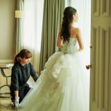 ホテルの衣裳室は「TAKAMI BRIDAL」。専属スタッフがご希望を伺い、憧れのドレスやウエディングスタイルに合うドレスをご提案いたします