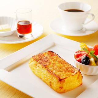 土曜は「伝統のフレンチトースト」で優雅な朝食を♪