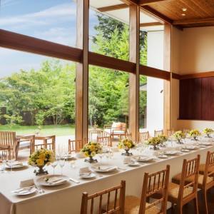 【湯川ガーデンテラス】ゲストと特別な時を過ごす、貸切りガーデンレストラン|星野リゾート 軽井沢ホテルブレストンコートの写真(1492930)