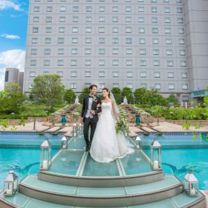 参列された方は新郎新婦を正面からご覧いただけます。お二人の様子や神聖な挙式の様子をご覧頂けると好評を頂いております♪皆さまに見守られながらの挙式を是非体感してください。|ホテル イースト21 東京の写真(2019108)