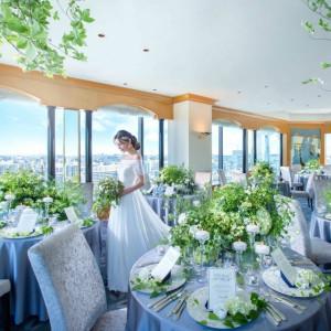 ホテル最上階カクテルラウンジパノラマでは最大47名様までのパーティーができます。東京スカイツリーや東京ゲートブリッジなど都心の景色を一望できる人気会場です。|ホテル イースト21 東京の写真(2045711)