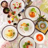 ホテルメルパルク東京では和洋中折衷のコース料理をご案内しております。幅広い年齢層のゲストの方に親しみやすいお料理です♪