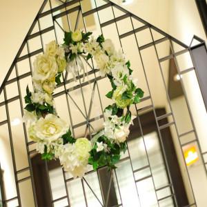 【FUNON入り口】おふたりのお家にお招きしていただくようなFUNONの会場入り口はお家の門のような作りでゲストの方をお出迎えしてくれます♪|ホテル メルパルク東京の写真(712742)