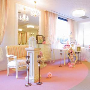 【3階ロビー】百合・牡丹のロビーは可愛らしい女の子のお部屋のような貸切空間です☆お写真撮影などでもご利用いただけます^^|ホテル メルパルク東京の写真(712746)