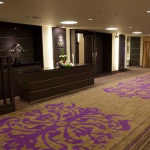 【5階ロビー】ZUIUNのフロアでは広いスペースを設けてゲストの方をお迎えしていただけます♪|ホテル メルパルク東京の写真(712736)
