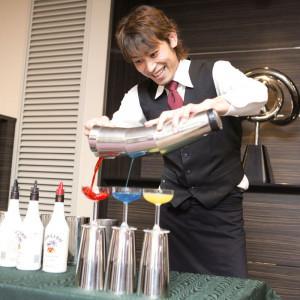【フレアバーテンダー】余興の一つとしてバーテンダーのパフォーマンスはいかがでしょうか?ノンアルコールカクテルのご提供も可能です♪|ホテル メルパルク東京の写真(715472)