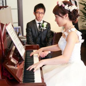 新郎新婦からゲストの方に向けて演奏のプレゼント!おふたりにしかできない、オリジナルウェディングとなりました^^|ホテル メルパルク東京の写真(917395)