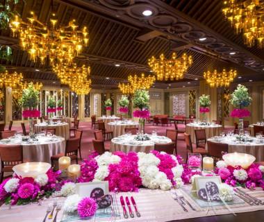 大切なゲストとの語らいを美味しい料理とともにゆったりと過ごす特別な空間。テーブルコーディネイトも想いのまま。