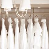 最高に輝く花嫁になるために カタチ、色、素材…様々なドレスからお気に入りの1着を