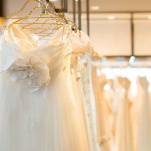 館内には2つの衣装店がございます。お二人のご希望に合わせてお選びいただけます|ロイヤルオークホテル スパ&ガーデンズの写真(874219)