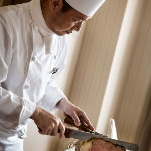 お料理の希望などいつでもシェフが相談にのってくれる ロイヤルオークホテル スパ&ガーデンズの写真(694475)