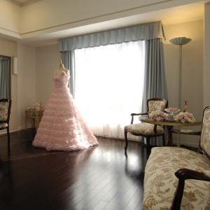 ブライズルームはゆったりくつろげる空間 ロイヤルオークホテル スパ&ガーデンズの写真(874243)