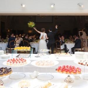 ゲストとの距離が近づく彩り豊かなデザートビュッフェ