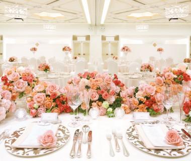 「ラヴィエール」 純白とシャンパンゴールドの煌めきに魅せられたバンケットルーム。人生の光という意味が込められています。■デュオ・セレッソ