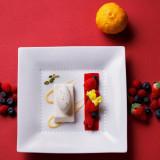 柚子の香りも爽やかな、和風フランス料理のデザート。