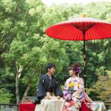 [生田の池]結婚式の最後には池にある「月見台」でのお写真タイム。季節によって様変わりする景観があり、ここの写真を中心に結婚式の日取りを決められる方も多くいらっしゃいます。