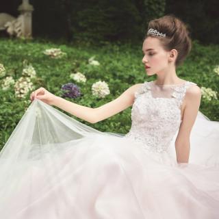 【花嫁の憧れを一足先に体験!】ANAドレスコレクション試着会
