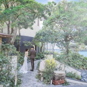 浜名湖を見渡す森の中の一軒家。日常を忘れる別世界を体験して