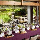 日本庭園を望むことができる披露宴会場