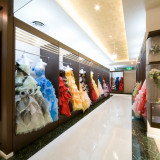 数々のドレスがその場を彩る館内併設のドレスサロン