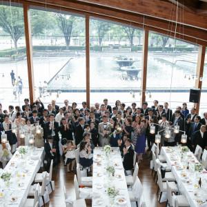 ゲスト全員とのスナップ撮影演出も人気|和田倉噴水公園レストラン (パレスホテル直営)の写真(1692790)