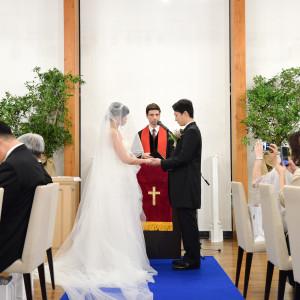 厳かなキリスト教式も実施可能|和田倉噴水公園レストラン (パレスホテル直営)の写真(3718765)