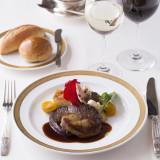 素材にこだわり、素材の味を最大限に引き出すフランス料理は年齢層問わず、皆様に美味しく召し上がって頂けます。