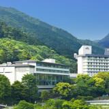 【アクセス抜群】 都心よりロマンスカーで90分。箱根湯本駅より徒歩3分。