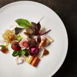 新LUCIS オリジナルコースメニューは見た目にも新しい華やかなお料理です