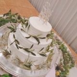 ナチュラルなイメージのウェディングケーキ