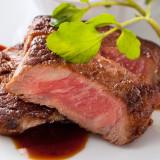 人気No.1メニューの柔らかな『黒毛和牛のステーキ』
