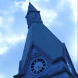 ふたりが永遠を誓う特別な「時」を刻むロイヤルチェスターホテルのシンボル時計台。