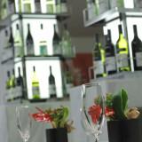 1階の洋風居酒屋『コメドール』は、ゲストの皆様と感動の余韻をあたためていただく2次会にぴったり。