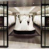 衣裳室「JUNO」。人気のデザイナーズブランドやオリジナルドレスなど、豊富な品揃え、更にサイズも幅広くご用意しています。