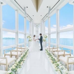 天空に浮かぶ豪華客船の先端デッキで行う挙式で、究極のロマンティックウェディングを|ヒルトン福岡シーホークの写真(3938737)