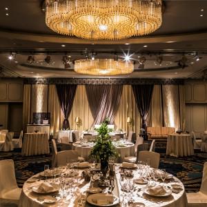 会場装花や照明のひとつひとつに上質さとセンスが輝く|HOTEL NEW OTANI HAKATA (ホテルニューオータニ博多)の写真(2050276)