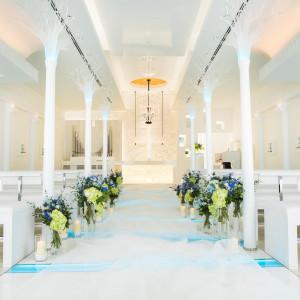 ゲストの祝福を感じる温かみあるチャペル。|HOTEL NEW OTANI HAKATA (ホテルニューオータニ博多)の写真(2050184)